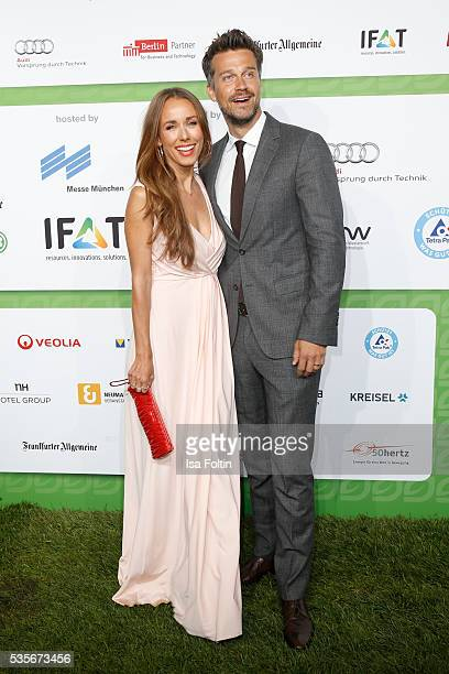 Moderator Annemarie Carpendale and her husband Wayne Carpendale attend the Green Tec Award at ICM Munich on May 29 2016 in Munich Germany