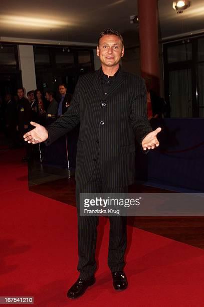 Moderator Axel Bulthaupt Bei Bambi 2001 Verleihung In Berlin