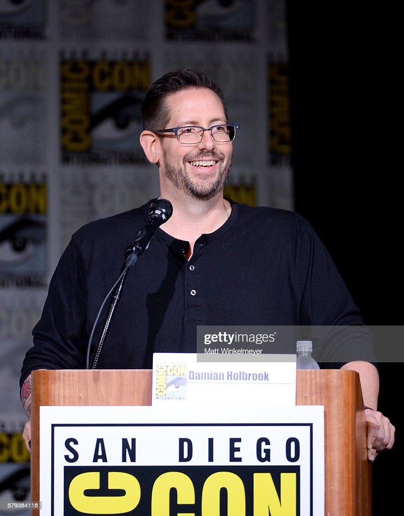 """Comic-Con International 2016 - """"Supergirl"""" Special Video Presentation And Q&A"""