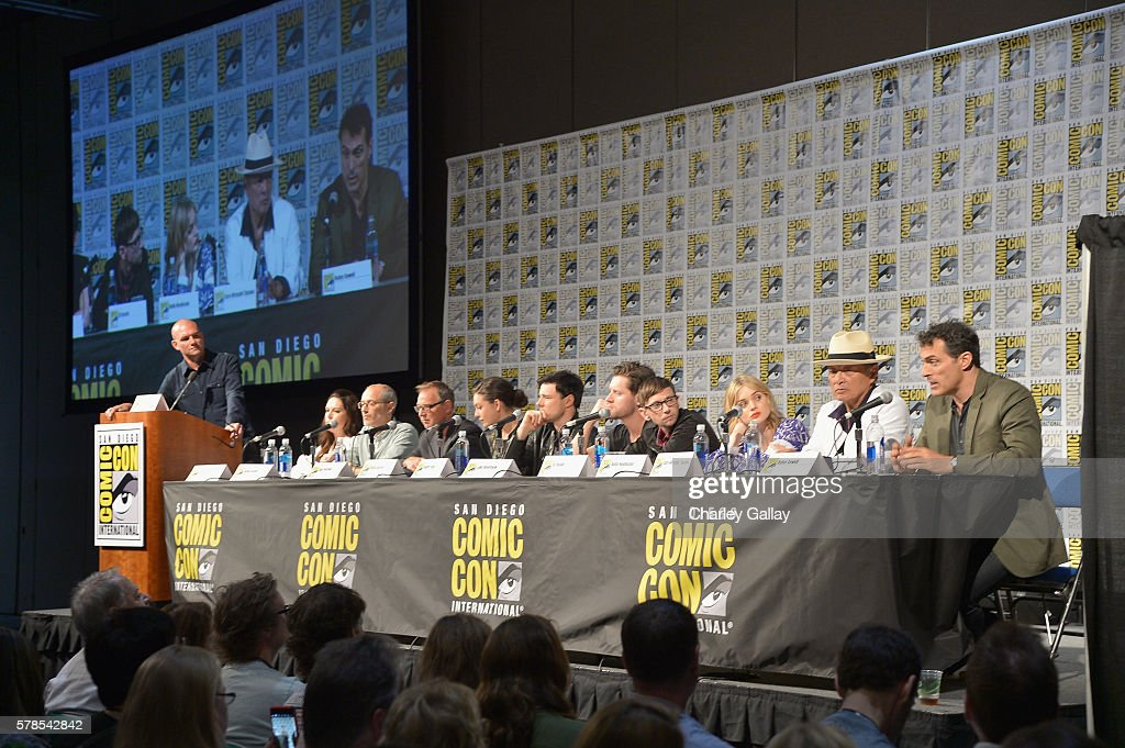 """Amazon Original Series """"The Man in the High Castle"""" Panel And Signing At San Diego Comic-Con : News Photo"""