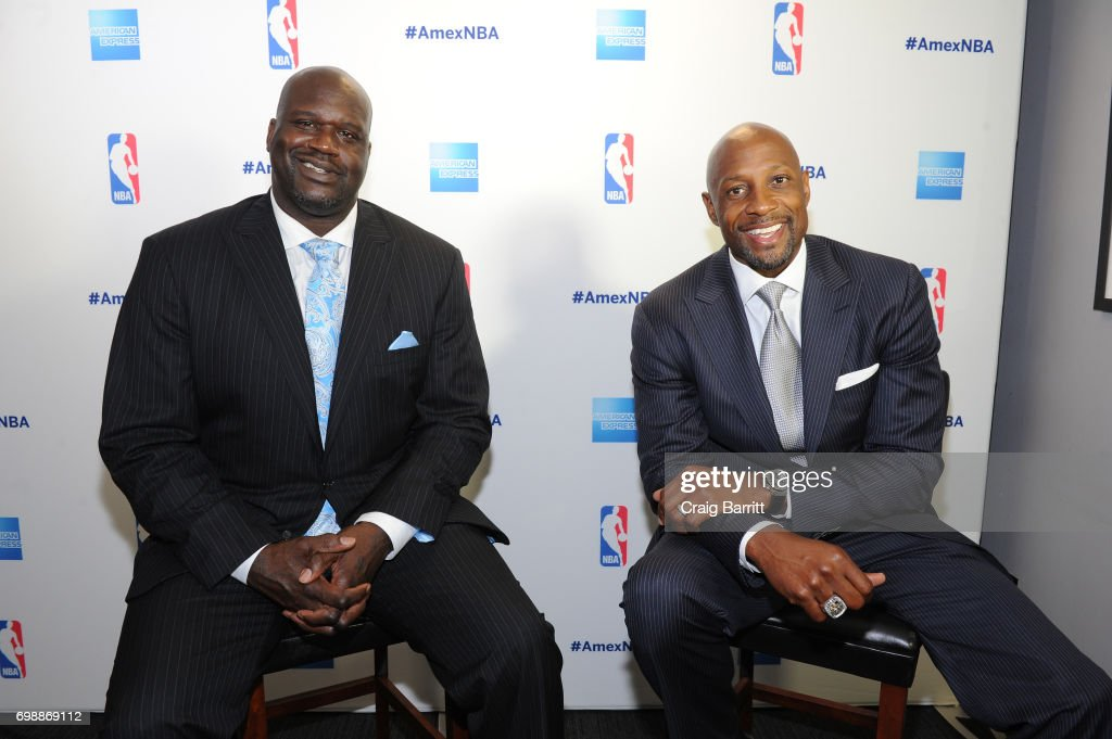 American Express Teamed Up With Shaquille O'Neal And Alonzo Mourning : ニュース写真