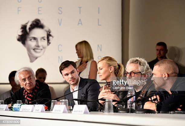 Moderator Henri Behar actors Nicholas Hoult Charlize Theron director George Miller and actor Tom Hardy attend the Mad Max Fury Road press Conference...