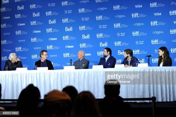 Moderator Henri Behar director Philip Martin actors Christopher Plummer John Travolta Tye Sheridan and Abigail Spencer speak onstage at 'The Forger'...