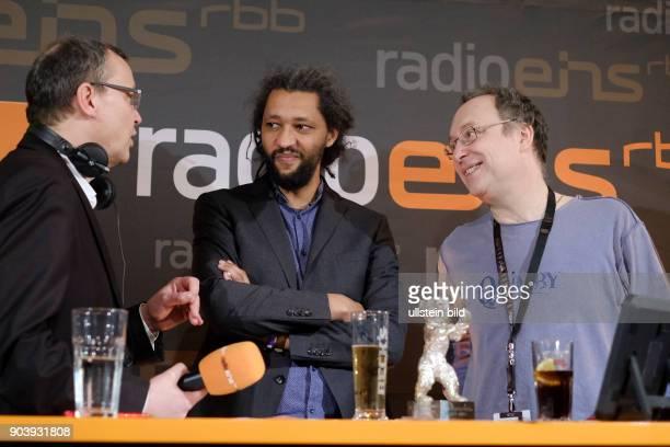 Moderator Knut Elstermann mit Regisseur Alain Gomis mit dem Silbernen Bären Grosser Preis der Jury für den Film FELICETE zu Gast im RadioEins...
