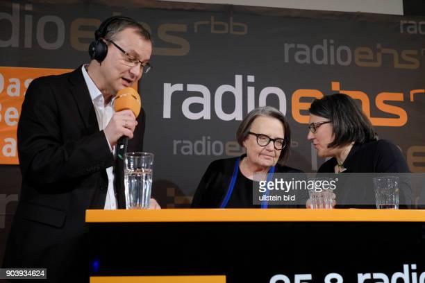 Moderator Knut Elstermann mit Regisseurin Agnieszka Holland und Tochter zu Gast im RadioEins Berlinale Nighttalk aus der XXLounge anlässlich der 67...