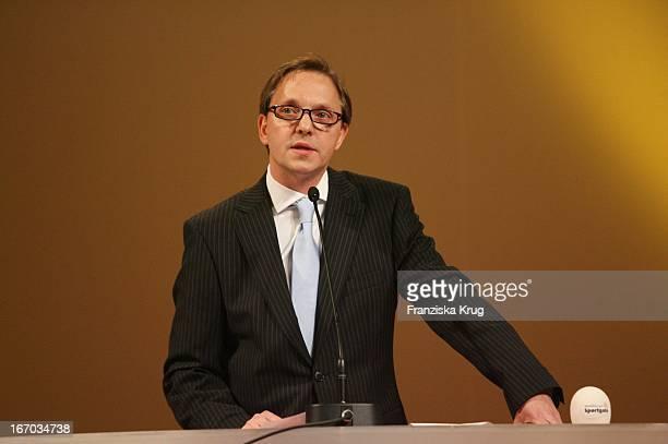 Moderator Olli Dittrich Mit Brille Bei Der 1 Hamburger Sportgala In Der Handelskammer In Hamburg Am 270206