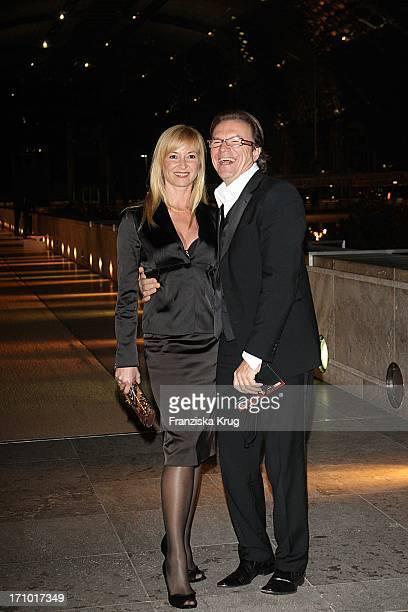 Moderator Wolfgang Lippert Und Ehefrau Gesine Bei Der Aftershowparty Zur Ard Jose Carreras Gala In Den Messehallen In Leipzig