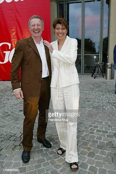 Moderatorin Bettina Böttinger Und Manager Alfred Bremm Bei Der Gala Vip Lounge Im K21 Kunstsammlung Nrw In Düsseldorf