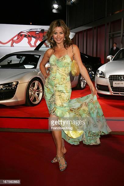 Moderatorin Bettina Cramer Bei Der Verleihung Der New Faces Awards Im Bcc In Berlin Am 030407