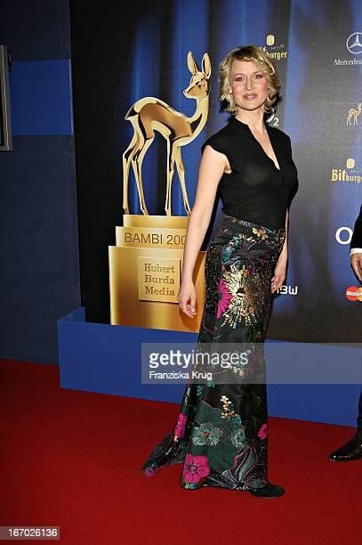 Moderatorin Eve Maren Büchner Bei Der 58 Bambi Verleihung In Stuttgart Am 301106