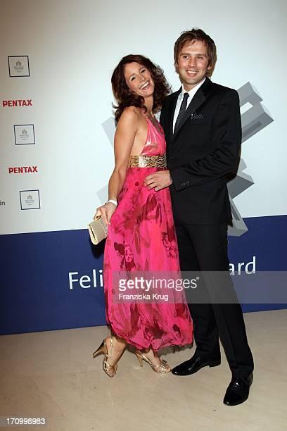Moderatorin Mareile Höppner Und Ehemann Arne Schönfeld Bei Der Verleihung Des Felix Burda Award Von Der Felix Burda Stiftung Im Hotel Adlon In Berlin...