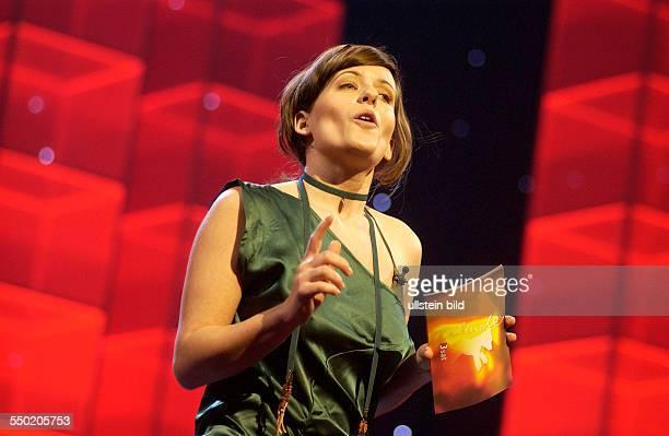 Moderatorin Sarah Kuttner anlässlich der Verleihung der SHOOTING STAR AWARD 2006 während der 56 Internationalen Filmfestspiele in Berlin