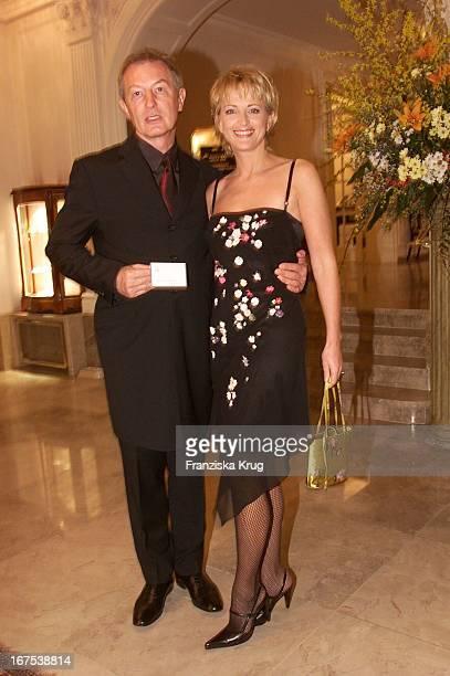 Moderatorin Ulla Kock Am Brink Und Ehemann Alfred Bremm Bei Der Verleihung Des Gala Spa Award 2001 In Baden Baden Am 170301