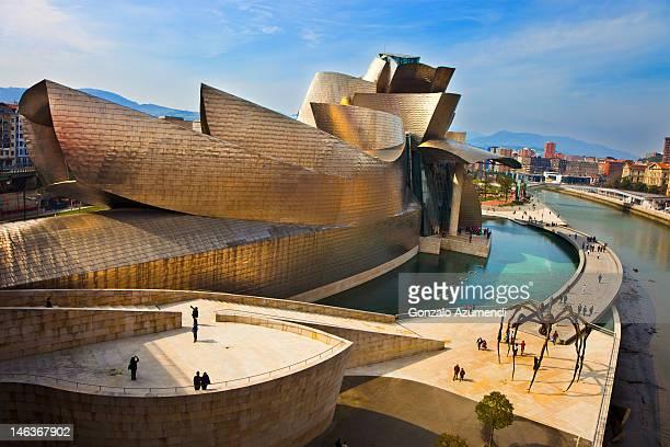 modern architecture in bilbao. - bilbao fotografías e imágenes de stock