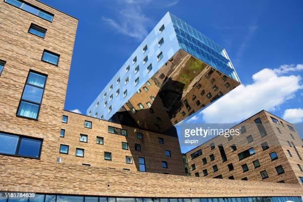 ベルリンの近代建築 - フリードリッヒハイン ストックフォトと画像