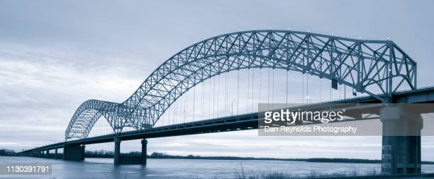 modern architecture - memphis tennessee stock pictures, royalty-free photos & images