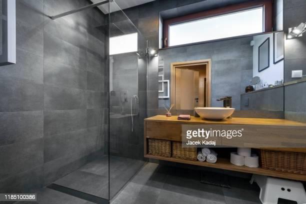 modern bathroom - toalett byggnadskonstruktion bildbanksfoton och bilder