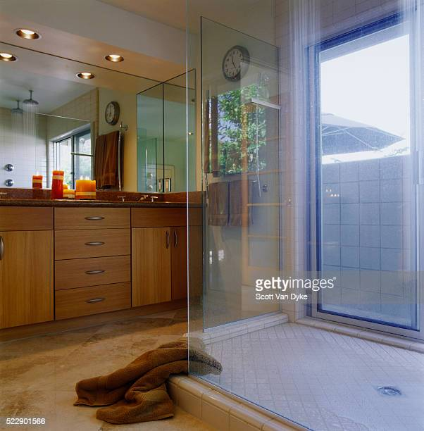 Glass Enclosed Shower Stock Photos and Pictures | Getty Images