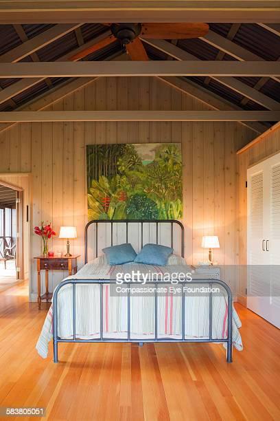 modern bedroom - パホア ストックフォトと画像