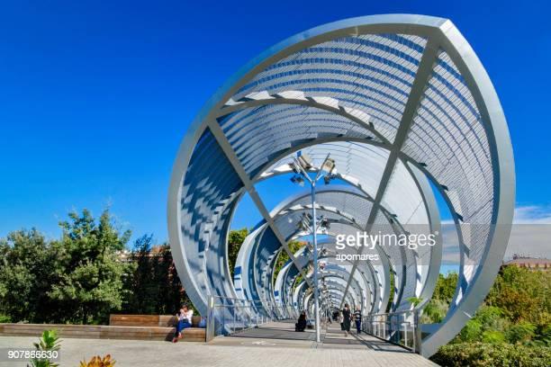 Moderne Brücke im Arganzuela Park, Madrid, Spanien
