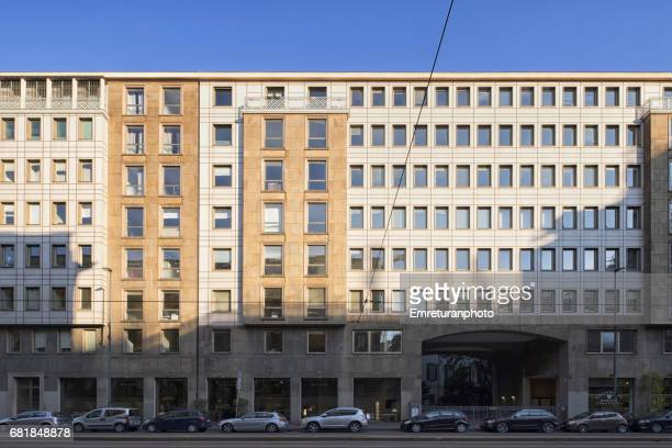 modern buildings ,via larga ,milan. - emreturanphoto stock pictures, royalty-free photos & images