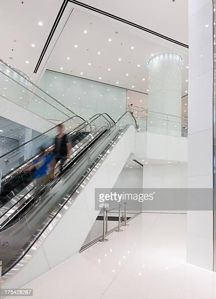 Modernes Business & Shopping Rolltreppe (XXXL)