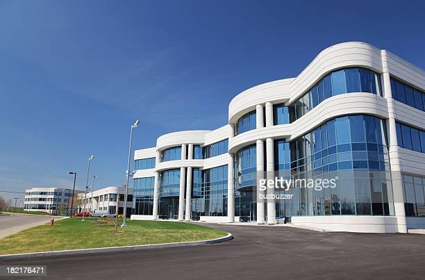 近代的なビジネス地区で、産業用 - 工場地帯 ストックフォトと画像