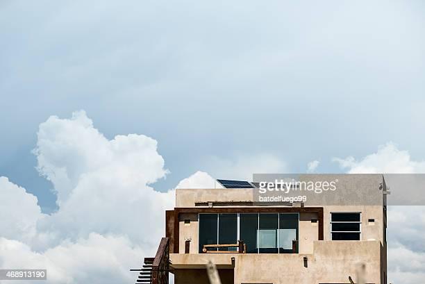moderna casa de cemento frente al mar en méxico. - todos santos mexico fotografías e imágenes de stock