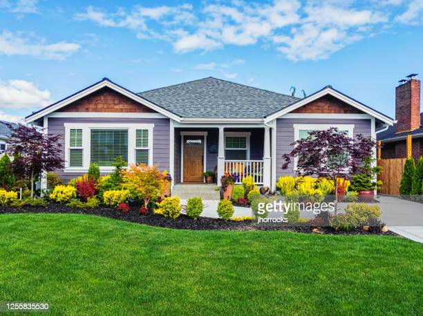 modern custom suburban home exterior - house stock pictures, royalty-free photos & images