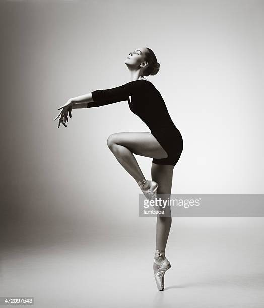 modern dancer - ballet dancer stock pictures, royalty-free photos & images