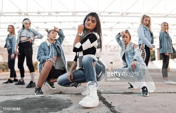 moderna dansare - dance troupe bildbanksfoton och bilder