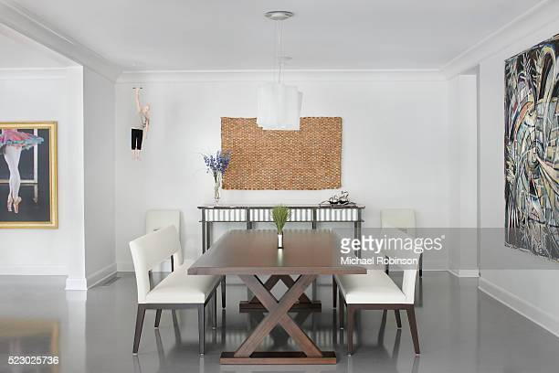modern dining table, chicago il - michael robinson stock pictures, royalty-free photos & images
