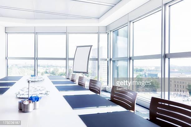 Moderne leeren Konferenzraum