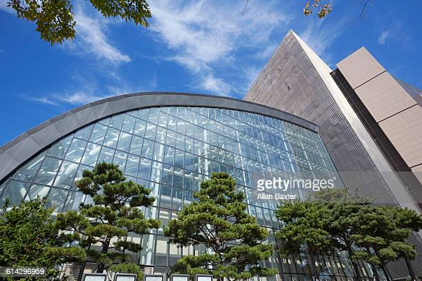 modern exterior of shinsegae centum city - busan stock pictures, royalty-free photos & images