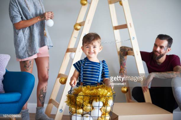 70 Christmas Family Portrait Ideas Photos And Premium High Res Pictures Getty Images