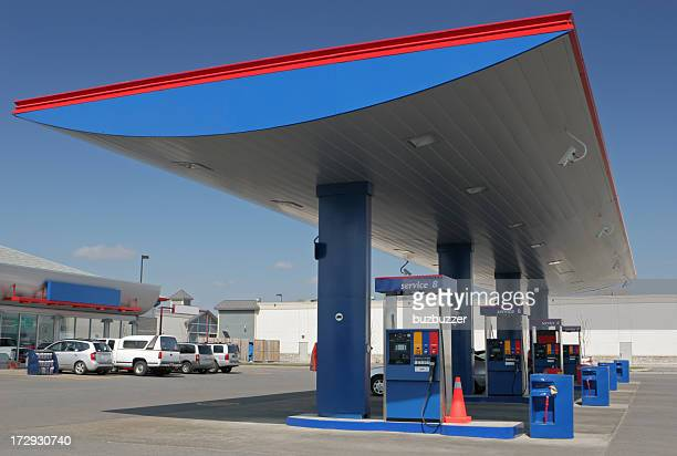 modern gas station with convenience store - gas station stock pictures, royalty-free photos & images