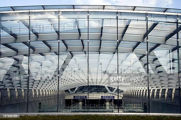 モダンなガラスの屋根 - ケルン市 ストックフォトと画像