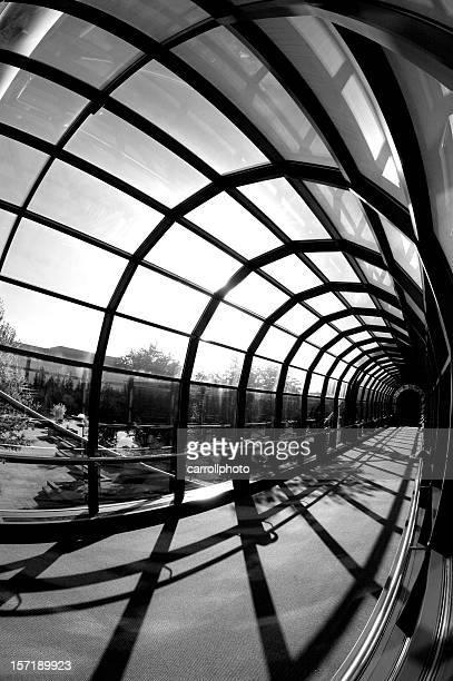 moderno túnel de vidro - job centre - fotografias e filmes do acervo