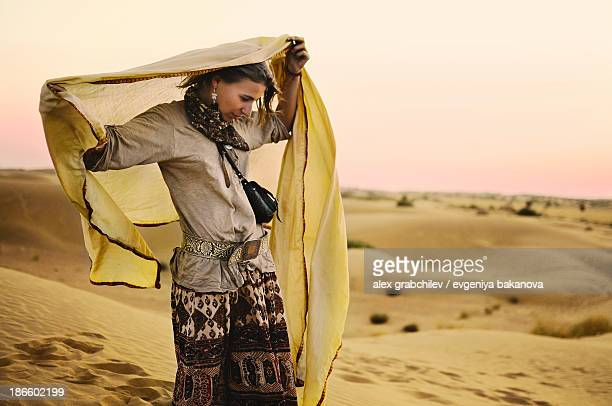 modern gypsy women in a thar desert, india - traditional clothing stock pictures, royalty-free photos & images