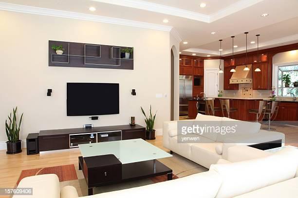Moderne Wohngebäude-Innenansicht
