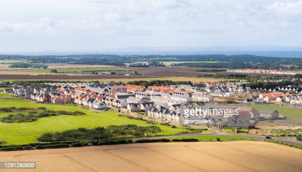 modern housing development - housing development stock pictures, royalty-free photos & images