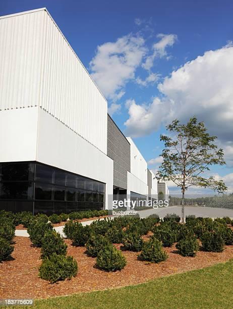 近代的な産業用建物、植物 - buzbuzzer ストックフォトと画像