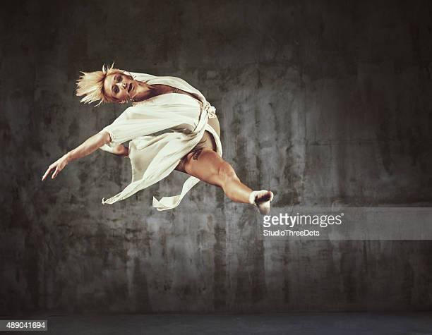 Jazz moderno Dançarino praticar