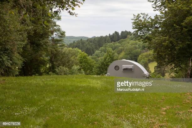 modern kamperen - kamperen stock pictures, royalty-free photos & images
