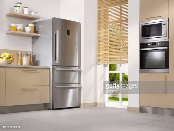 cozinha moderna - low angle view - fotografias e filmes do acervo