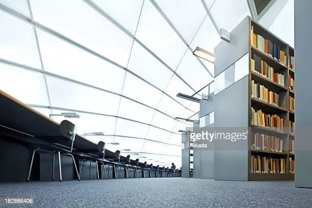 die moderne bibliothek - bibliothek stock-fotos und bilder