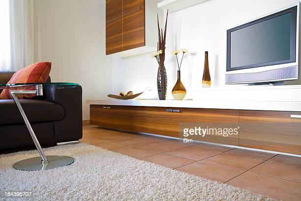 Moderna sala de estar com TV