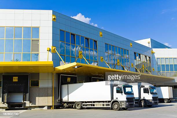 modern loading docks - loading dock stock pictures, royalty-free photos & images