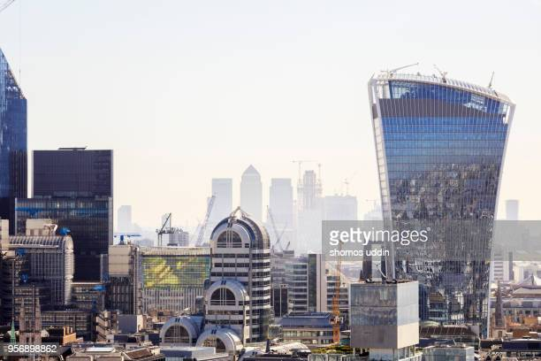 modern london skyscrapers - london docklands stock pictures, royalty-free photos & images