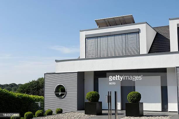 Luxe moderne d'une maison de famille